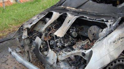 Тийнейджър подпалил две коли за месец