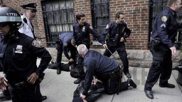 Арестуваха трима българи в САЩ