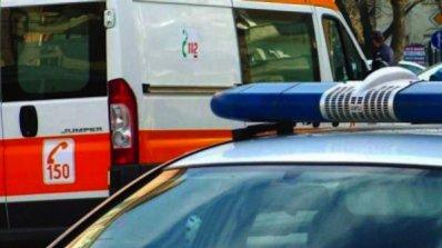 Товорен влак смаза кола, уби двама българи в Испания
