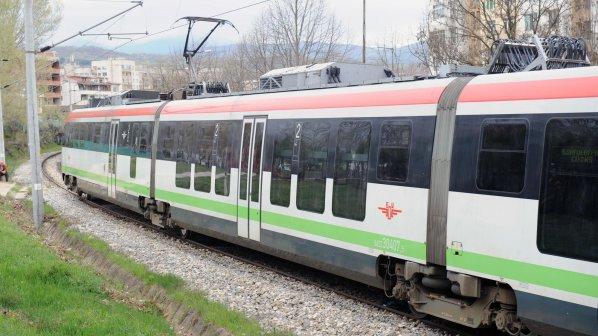 БДЖ пуска допълнителни вагони за Фестивала на сливата