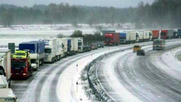 """Изграждат снегозащитно съоръжение на автомагистрала """"Тракия"""""""