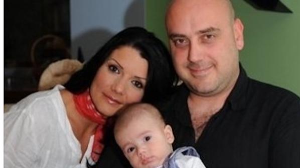 Мъжът на Кали: Тя отведе сина ми при любовника си!