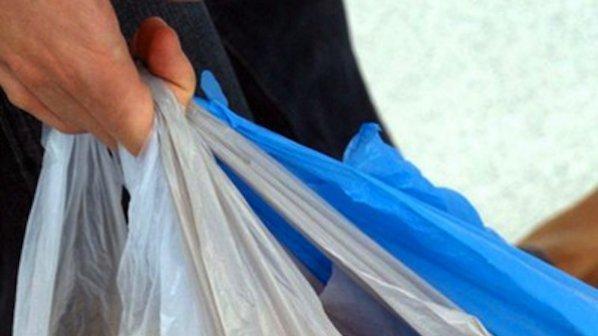 Стягат протест срещу екотакса за найлоновите торбички