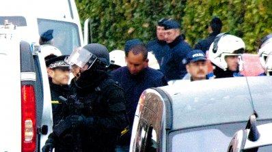 Френскaтa полиция удари радикални ислямисти