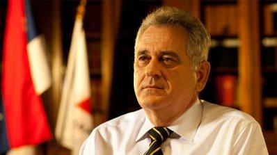 Сръбските посолства слагат портрети на президента