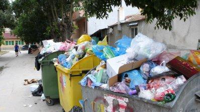 1000 лв. глоба за боклук през терасата