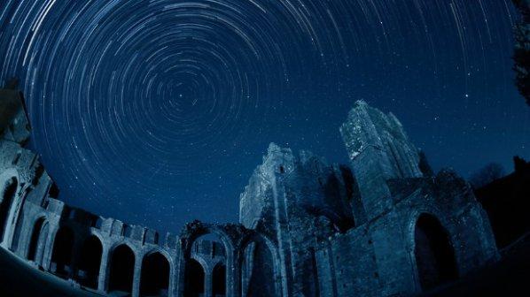 Национален парк Брекън Бийкънс - прозорец към звездите