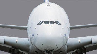 Летище в Полша беше затворено заради излизане на самолет от пистата