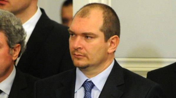 Правосъдният министър: Недоверието в съдебната система се преодолява с диалог