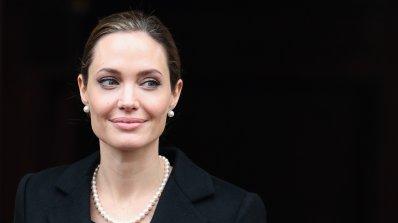 Анджелина Джоли ще си маха и яйчниците