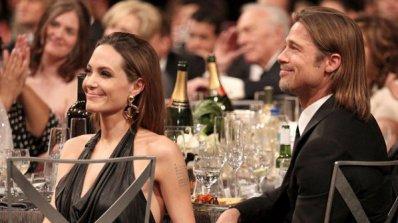 Анджелина Джоли и Брад Пит ще се женят на кораб