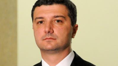 Драгомир Стойнев: Не водете децата си на протеста