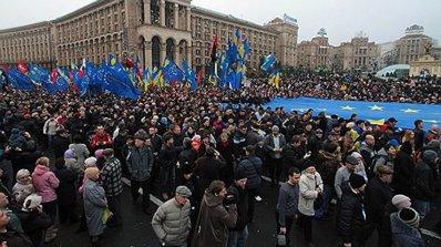 500 000 души на протест в центъра на Киев, опозицията очаква извънредно положение (обновена+галерия)