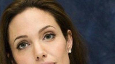 Анджелина Джоли влезе в болница