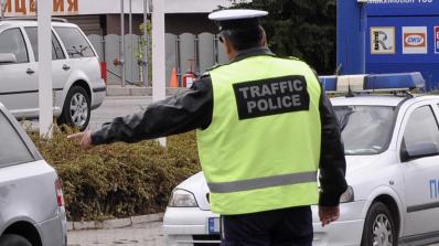 """Катаджии 39 пъти хващат шофьор """"в крачка"""", наказват комшията му"""