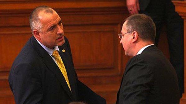 Борисов и Станишев се гонят в обиколки из страната