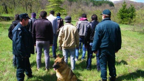 106 души опитали да влязат нелегално в страната