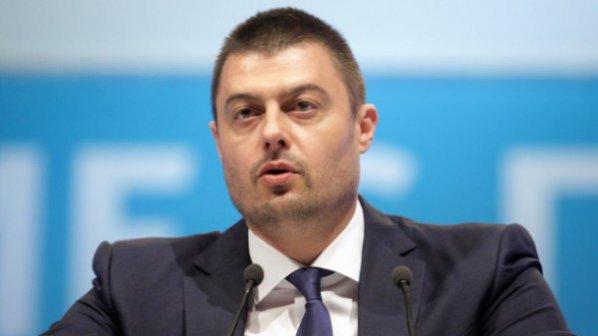 Бареков и Кенов ще съдят отлъчилия се Ангел Славчев
