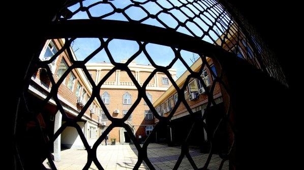 1041 осъдени се укриват и МВР не може да ги вкара в затвора