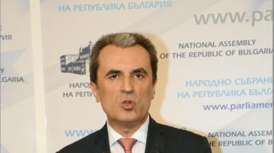 Орешарски има постоянна връзка с министрите заради потопа