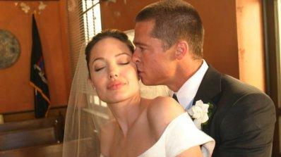 Анджелина Джоли не покани баща си на сватбата