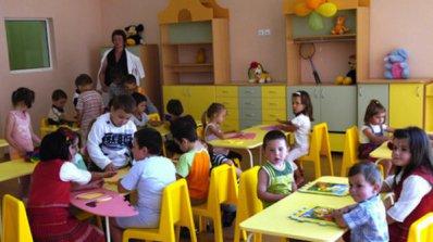 """Контролът върху храната в детските градини  """"удари"""" тортата"""