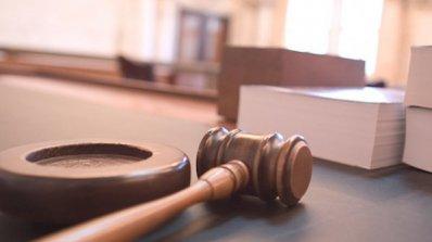 Обвинен за две поръчкови убийства остава в ареста