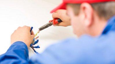 Фирма или майстор за електроуслуги?