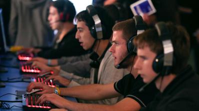 Екшън игрите подобряват сензорно-моторните умения, обявиха американски учени