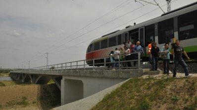 Променят облика на три железопътни гари с евросредства