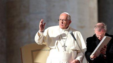 Папата създаде комисия за борба със свещениците-педофили
