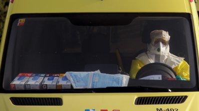 Заразен с ебола лекар оздравя след експериментално лечение