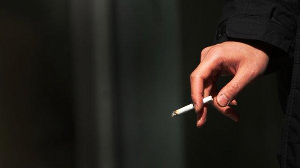 Депутати масово нарушават забраната за пушене