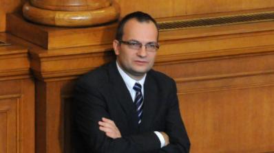 Димитров и Гечев спориха по темата за взимането на нов заем