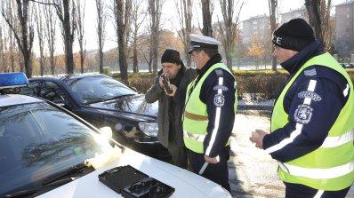 Обърнат ТИР затвори пътя Пловдив - Смолян
