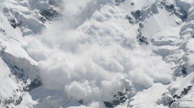 Лавина уби 3-има сноубордисти (обновена)
