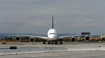 Габонски самолет бе задържан в Париж заради дългове
