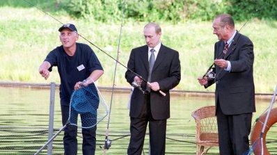 Британски военен: Путин ни праща шпиони-рибари