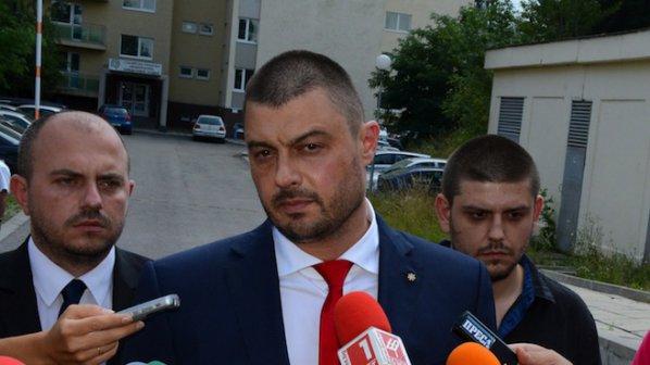 Бареков: Цветан Василев е поднесъл главата ми на тепсия на Борисов
