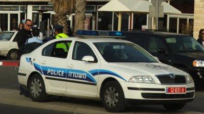 Палестинец се е забил с кола в автобусна спирка в Израел