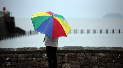 Май пристига с дъждове и ниски температури