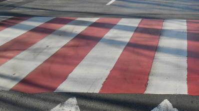 Старец блъсна две деца на пешеходна пътека в Силистра