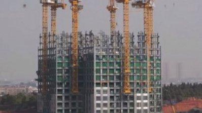 За 19 дни в Китай завършиха 57-етажен небостъргач (видео)