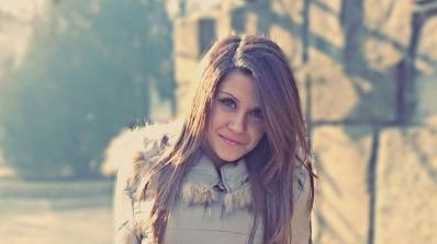 Мис Благоевград плаче за загинало гадже (снимки + видео)