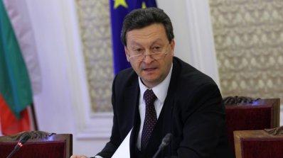 Вземаме от държавата, за да дадем на ЕРП-тата, възмути се Ерменков