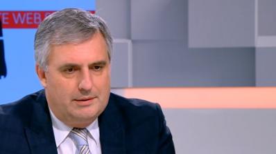 Калфин: България не е мишена, военната техника идва и си отива