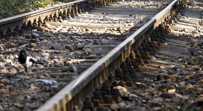 Влак прегази стрелочник от БДЖ