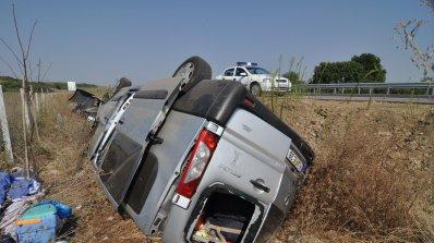 Шофьор без книжка загина на място и рани 5 деца