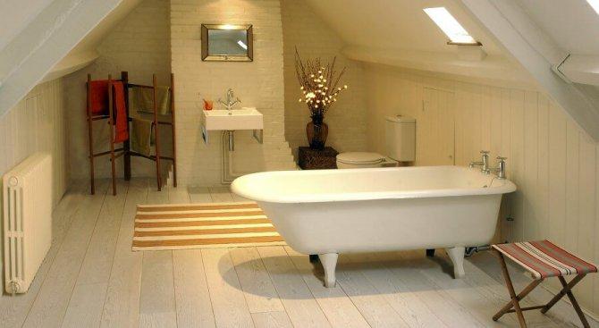 Какво е важно да знаем за реденето на плочките на пода в банята