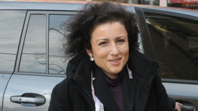 """Десислава Танева: Данък """"вредни храни"""" няма да научи младите хора да се хранят здравословн"""